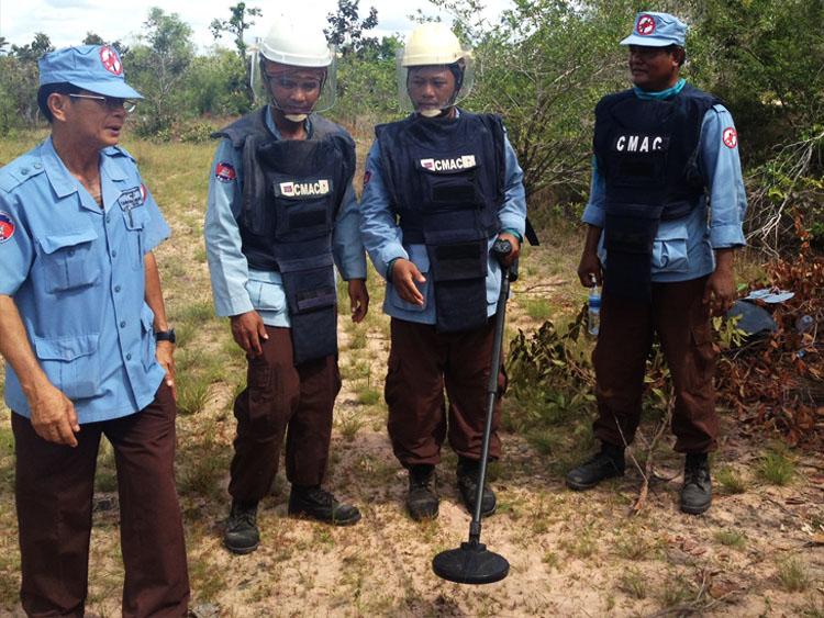 landmine clearing team cambodia