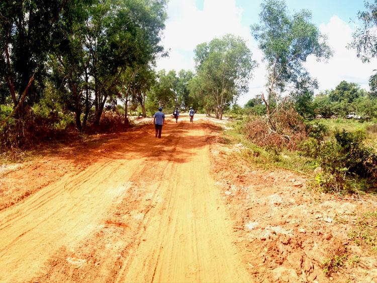 cambodia red earth track