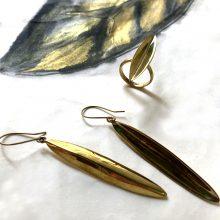 tonle earrings leaf background