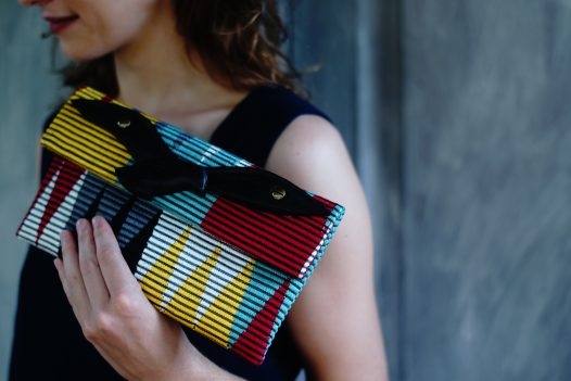 Parrot clutch with model