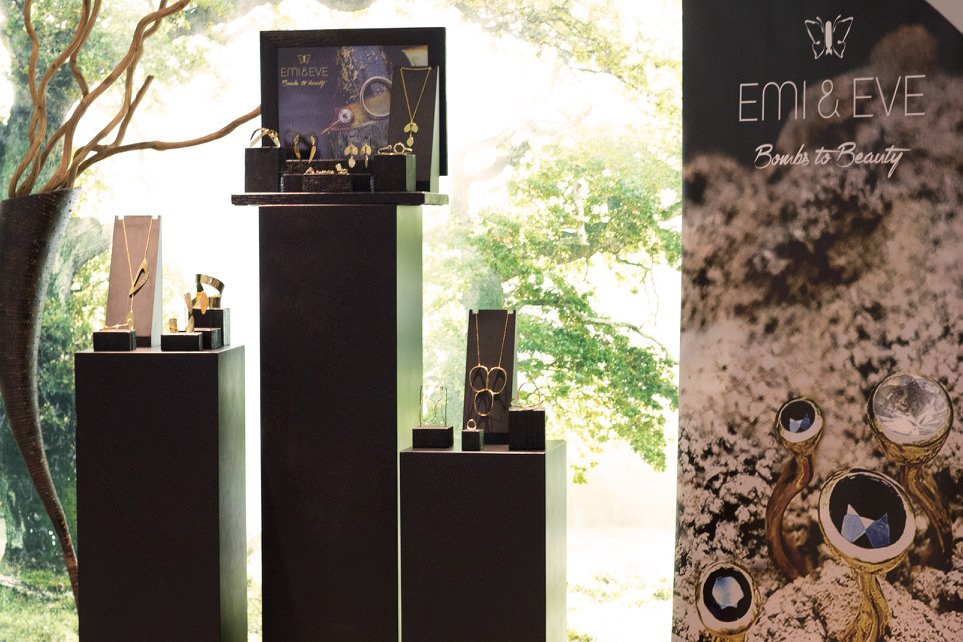Emi & Eve display